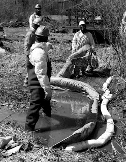 workers in toxic Trumbull County, Ohio fracking waste  injection well spill, April 2015 (photos: Frackfree Mahoning Valley)