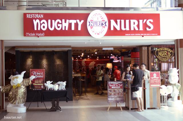 Naughty Nuri's Life Centre, Kuala Lumpur restaurant frontage