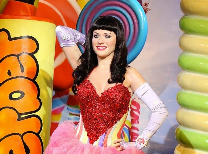 Katy Perry wax statue also between the museum