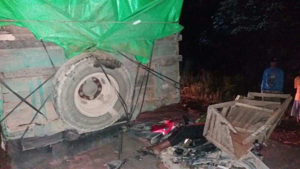Pengendara Motor Tewas Usai Tabrak Bak Truck di Jalan Sintang Sekadau