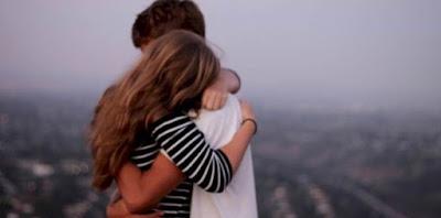 6 Hal Yang Membuat Hati Wanita Hangat Seketika Bila Cowoknya Peka