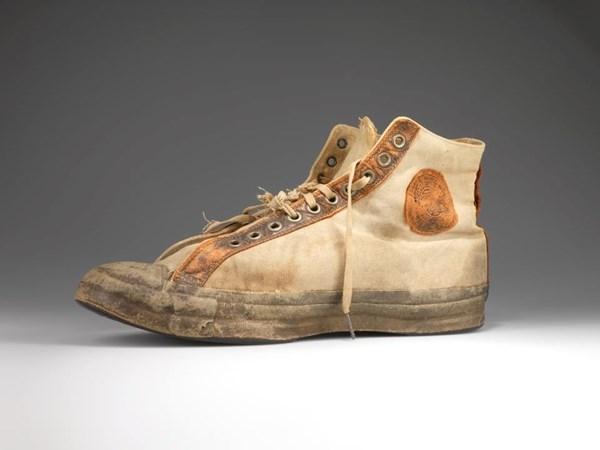 Khám phá lịch sử ra mắt của một vài giày sneaker nữ hàn quốc thân thuộ3c