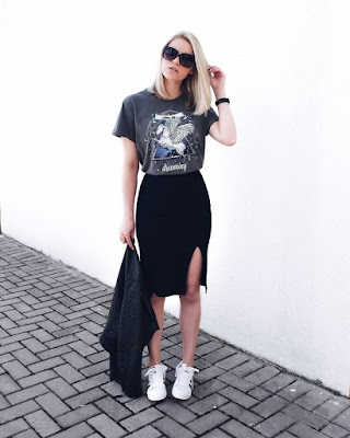 Vestido com t-shirt por cima