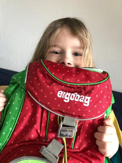 ergobag Pack - Bjarne ist sehr glücklich mit seinem ersten Schulranzen!
