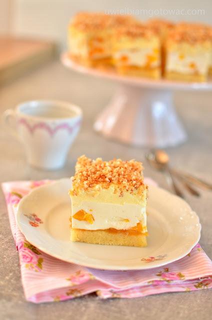 Ciasto Biała Dama z brzoskwiniami i kokosem