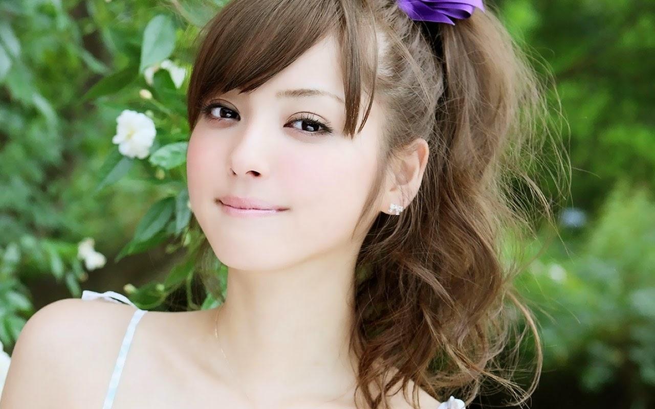 Young beautiful japanese girls