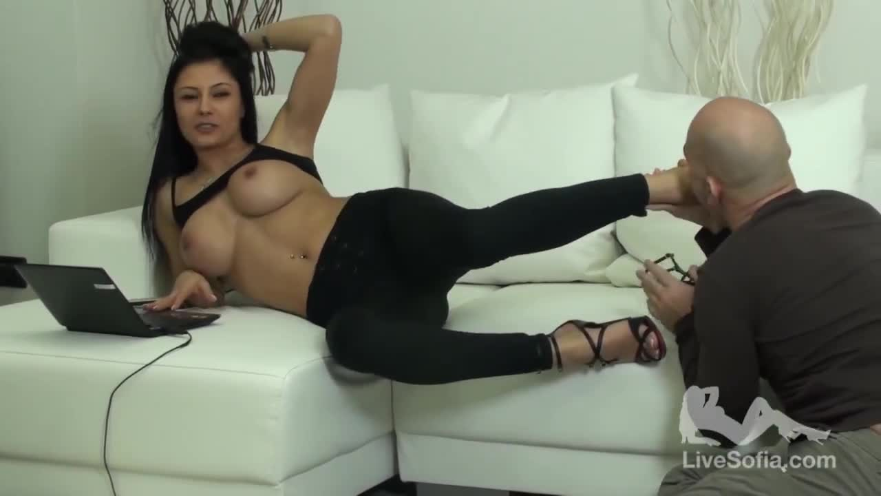 [18+]  Sofia Gucci: Fuck a Fan 7 (2013) 225MB