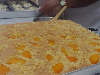 Peach Cake with Strussel ala Ria M. Fasha