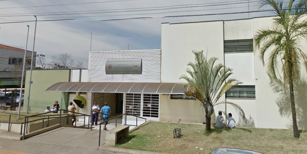Crônica Dominical 06/04/2014 - Atendimento SUS em Barretos-SP, uma luz no fim do túnel - Foto da fachada do Ambulatório de Especialidades ARE I de Barretos - Google Street View - agosto/2011