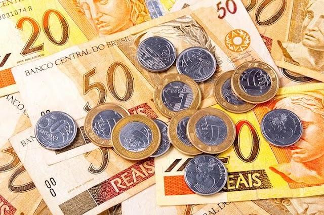 Mínimo do mínimo; Governo reduz projeção para salário mínimo em 2018 para R$ 965,00