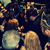 Τι έκαναν δεκάδες καρναβαλιστές κρατώντας φακούς χθες το βράδυ; - Δείτε Φωτογραφίες