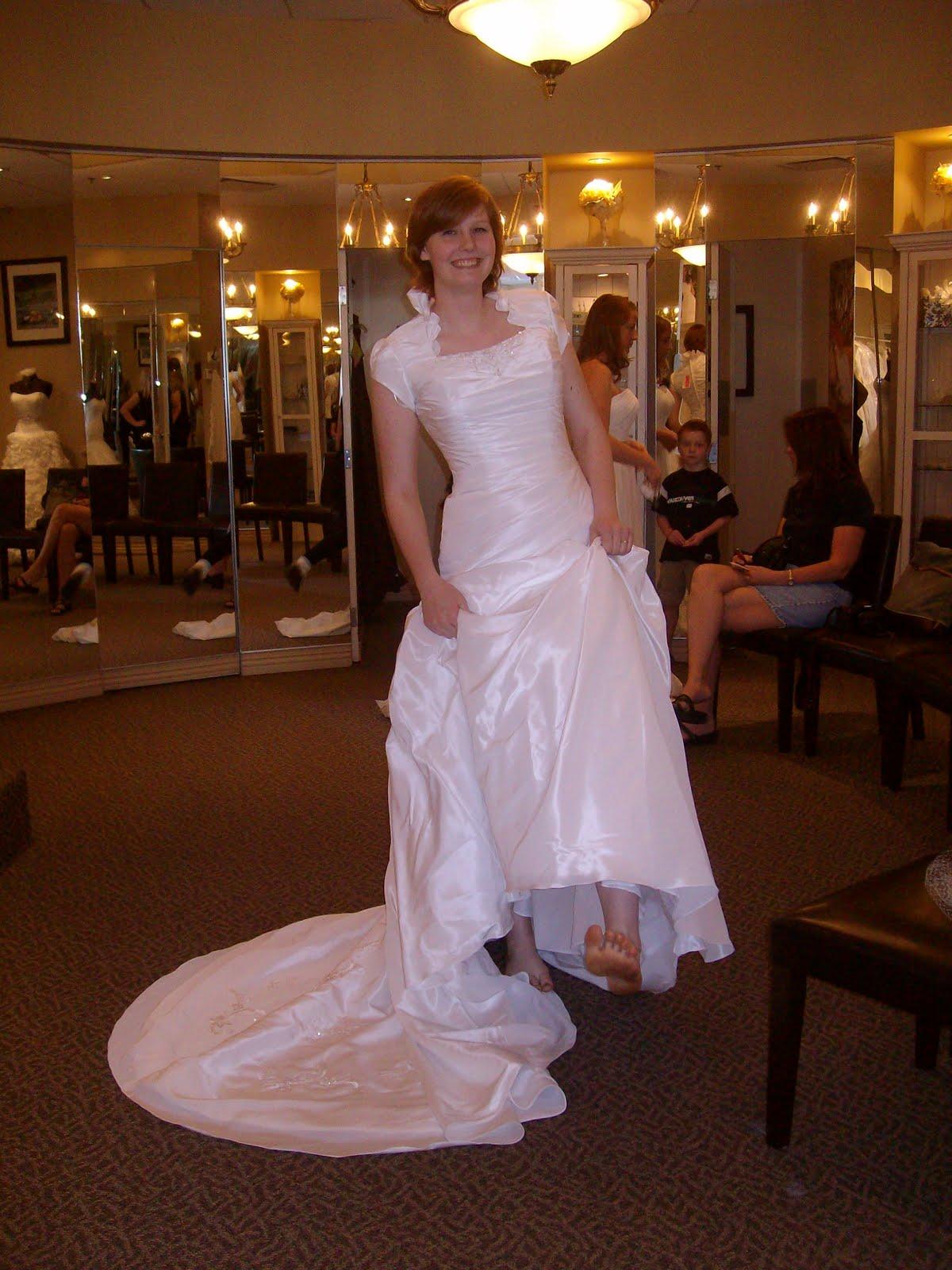 Sierra The Barefoot Girl Wedding Dress