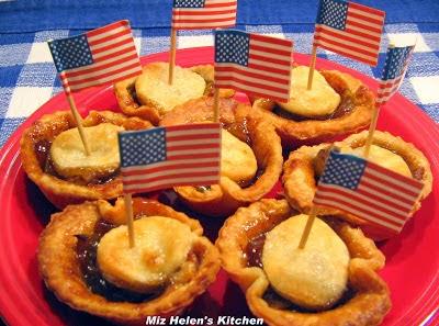 All American Apple Pie Bites at Miz Helen's Country Cottage