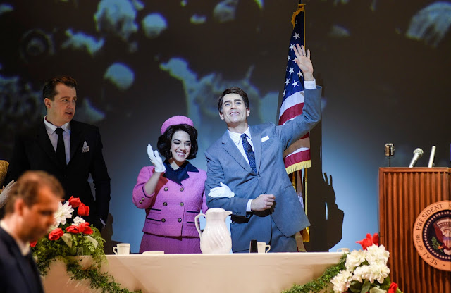 Opéra de Montréal: JFK - l'histoire de John F Kennedy comme un voile onirique