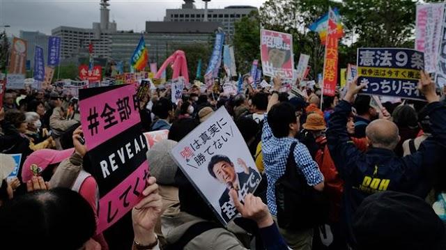 Thousands demand Japanese Prime Minister Shinzo Abe's resignation amid corruption scandal