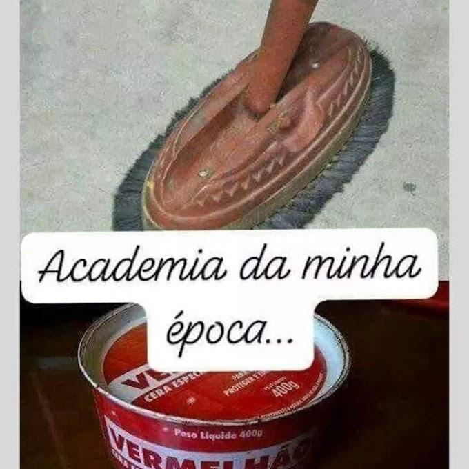 Academia antigamente...
