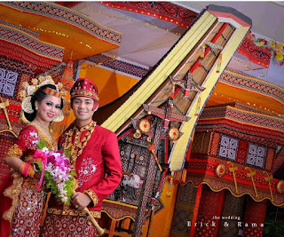 Kata Mangimbo atau Manganta' Pada Upacara Pernikahan Toraja