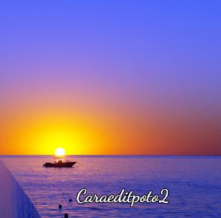 http://caraeditpoto2.blogspot.com/2017/01/edit-foto-membuat-sudut-di-air-laut.html