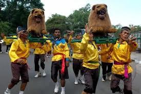 Kesenian tempat Jawa Barat sangat beraneka ragam Kesenian dan Tarian Tradisional Jawa Barat