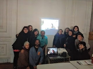 students at Diplomado Muñecoterapia, Chile and Corina Duyn via Skype