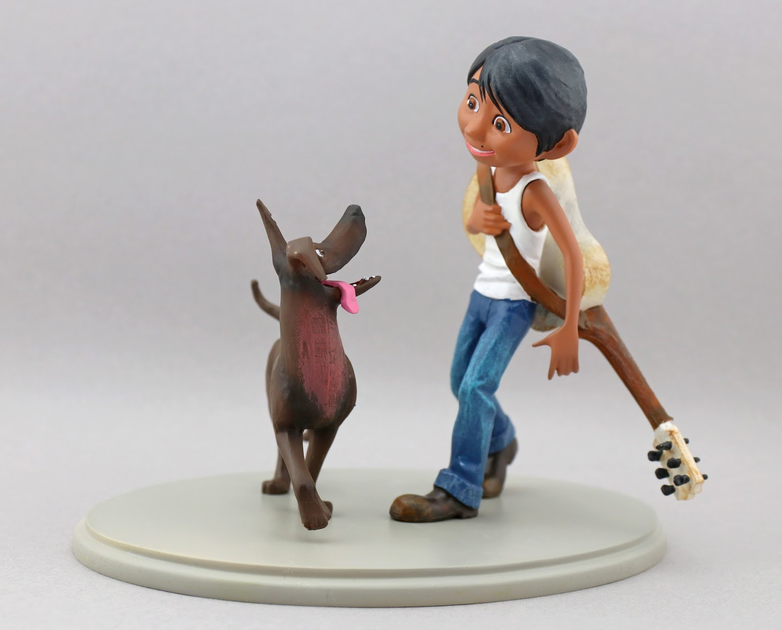 coco miguel and dante statue figure enesco