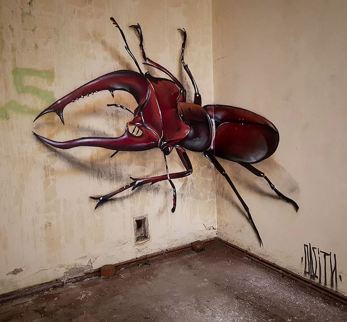 Street Artist Creates Incredible 3D Graffiti That Look Like They're Real