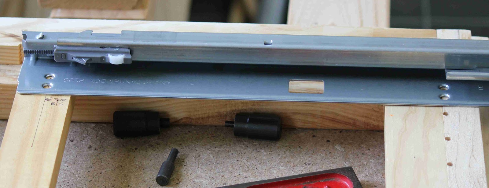 blog de VK5HSE: IKEA mounting hole dimensions - In case you need to