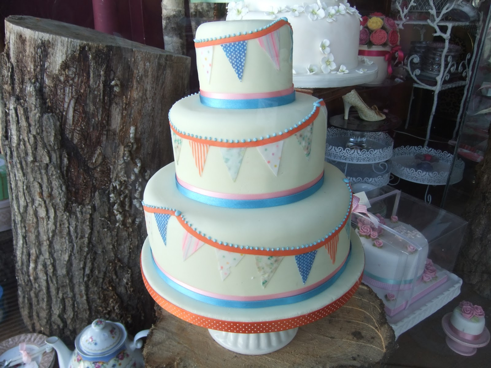 wedding cakes leigh on sea ramblings from an garden cakes galore at leigh on sea 24902