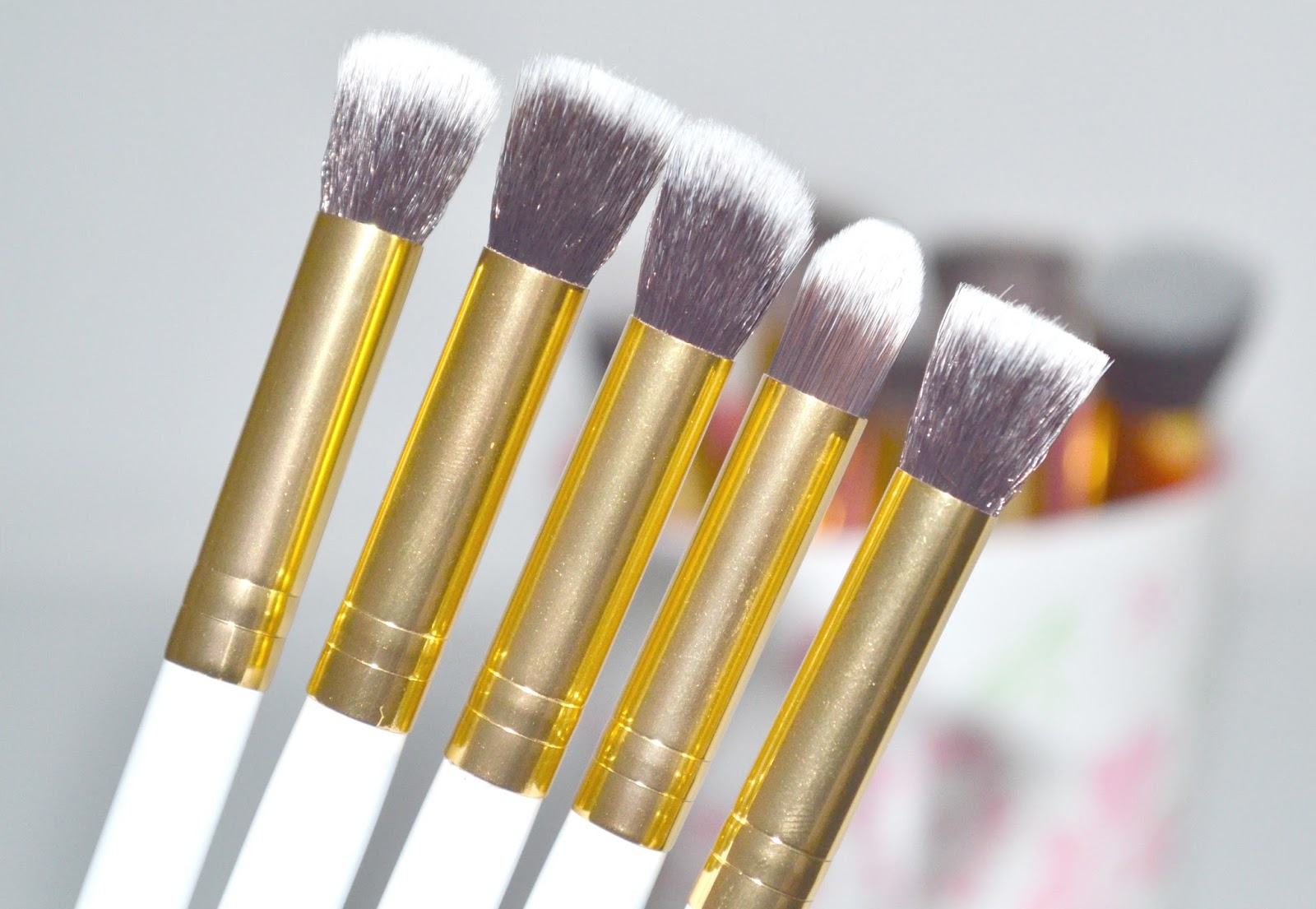 cheap makeup brushes, budget makeup brushes, inexpensive makeup brushes, makeup brushes review, quality makeup brushes, real techniques makeup brushes dupes