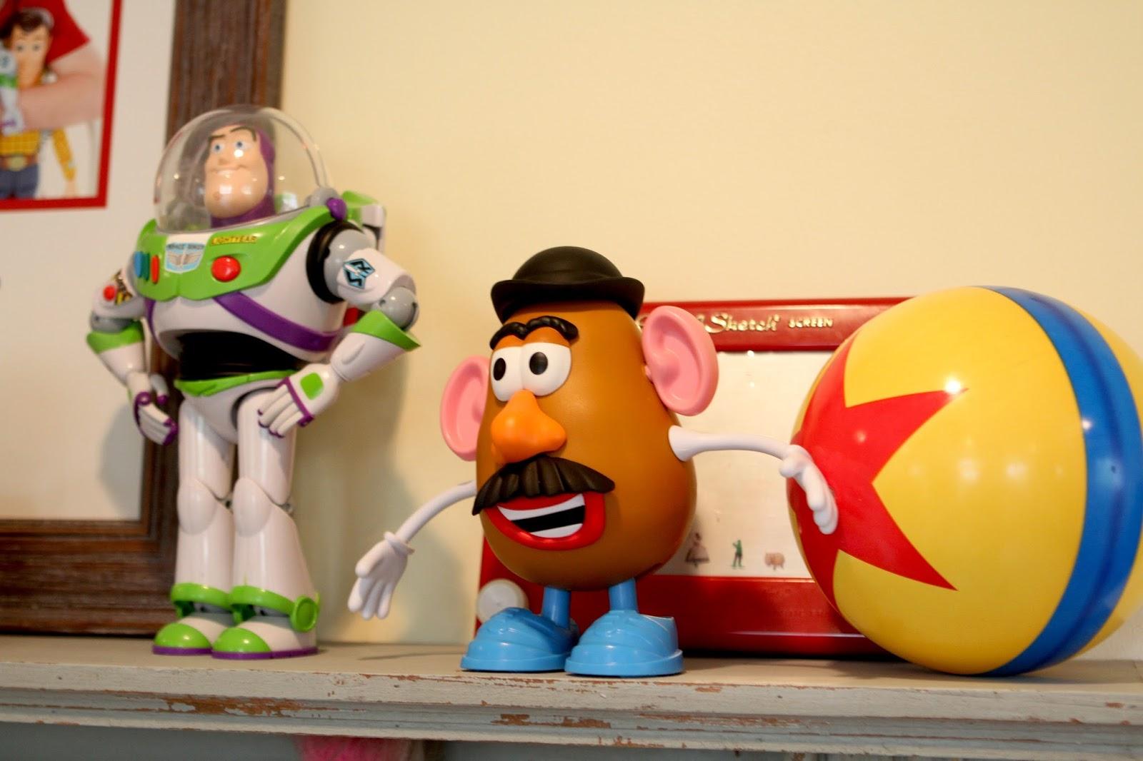 Dan the Pixar Fan: April 2016