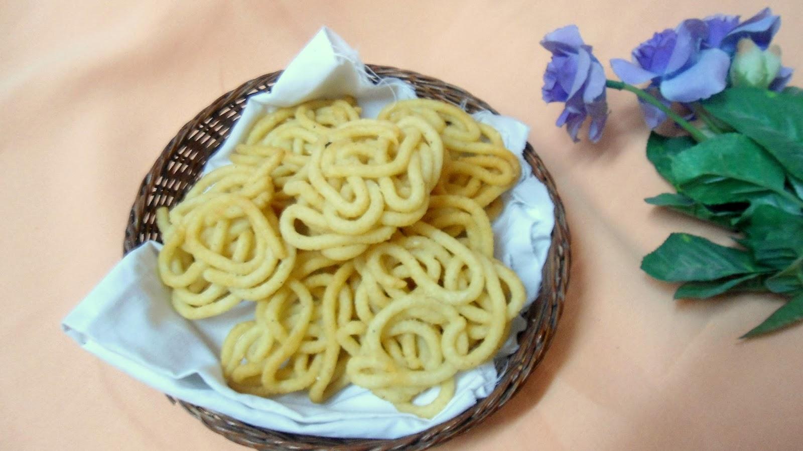 Thenkuzhal Murukku | Festive Recipe