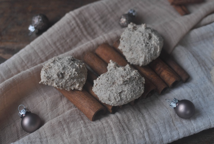 gluten free Cinnamon-Almond-Cookies, a delicious treat for the Holidays
