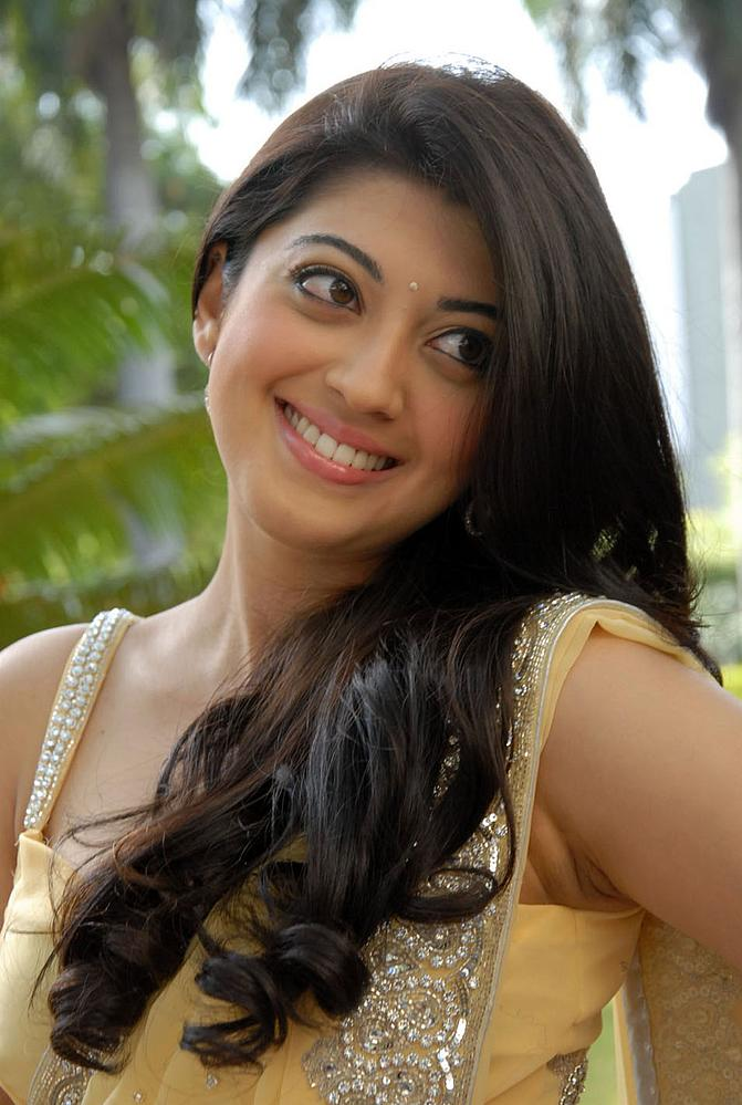 TollywoodCinePhotos: Pranitha in Saguni Audio Launch