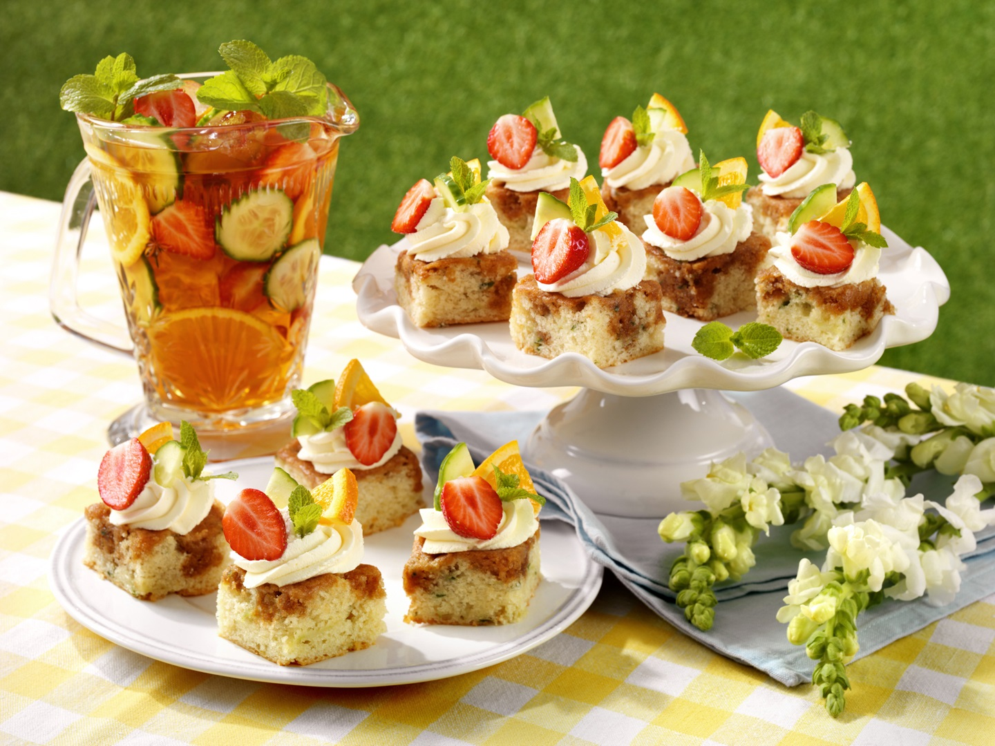 Pimms Cakes For The Queen's Birthday Party?