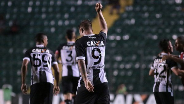 Figueirense vai bem e derrota o Guarani de Palhoça