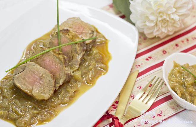 Solomillo de cerdo con cebolla confitada y jengibre