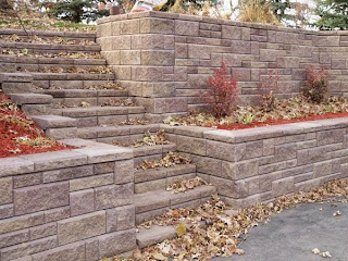 Allan Block Garden Bed with Stairs