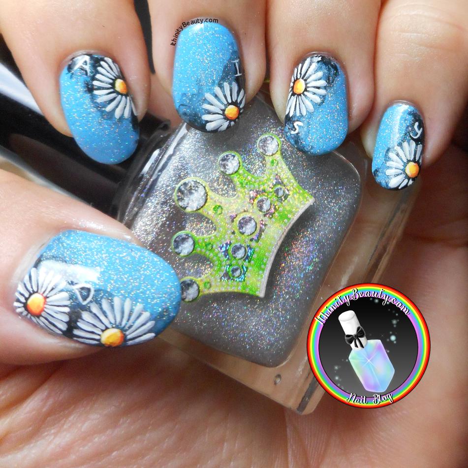 Freehand Daisy Nail Art With Holo | IthinityBeauty.com Nail Art Blog