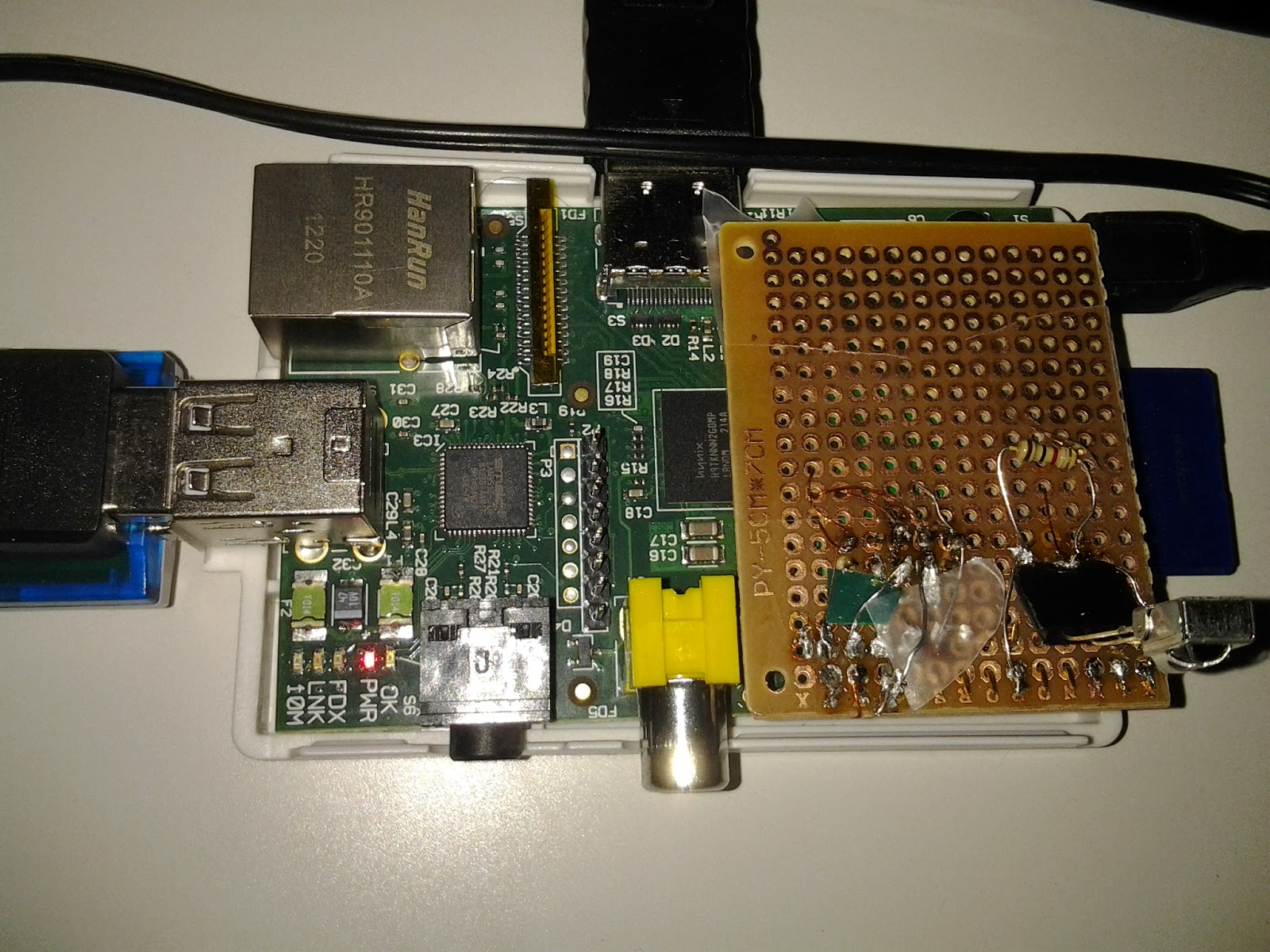 Learn on the fly : Raspberry pi as an nrf24l01 base station with