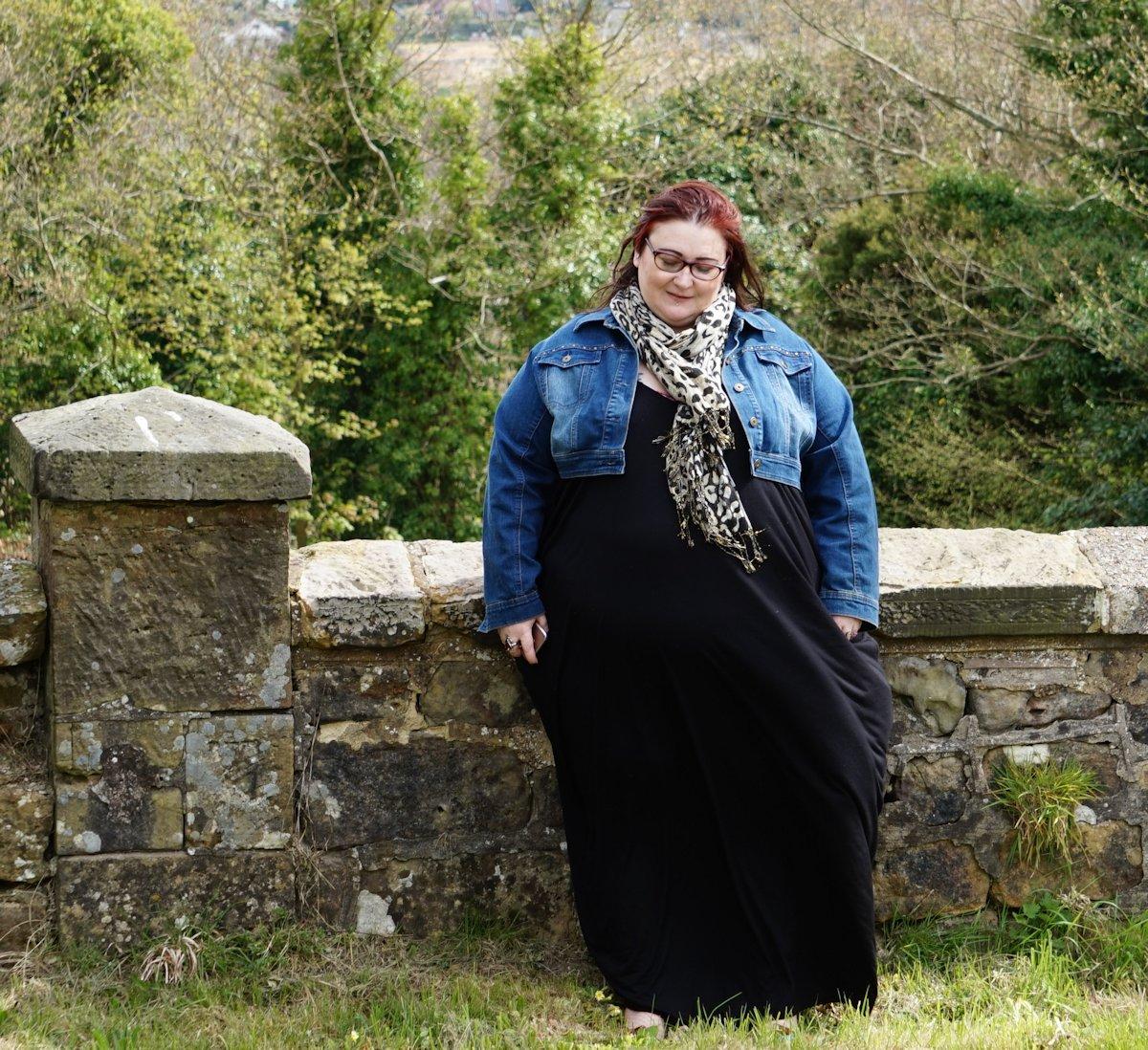 Two ways to wear a plus size black maxi dress // www.xloveleahx.co.uk
