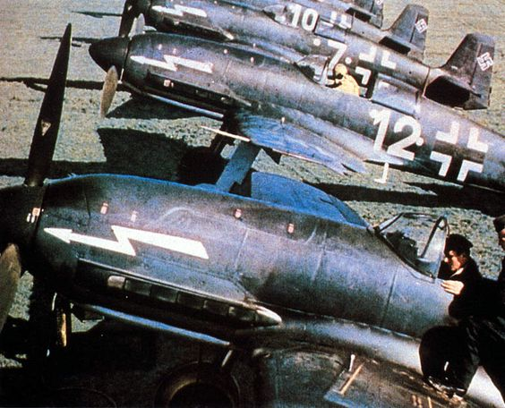 Heinkel He 100D fighters color photos of World War II worldwartwo.filminspector.com