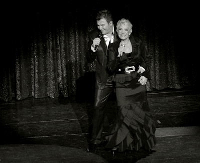 Η Μαρινέλλα και ο Αντώνης Ρέμος στο νυχτερινό κέντρο «Αθηνών Αρένα», τον Νοέμβριο του 2007.