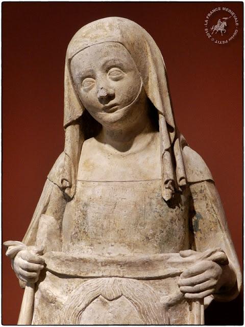 DIJON (21) - Musée des Beaux Arts : Statue de Sainte-Véronique (XIVe siècle)