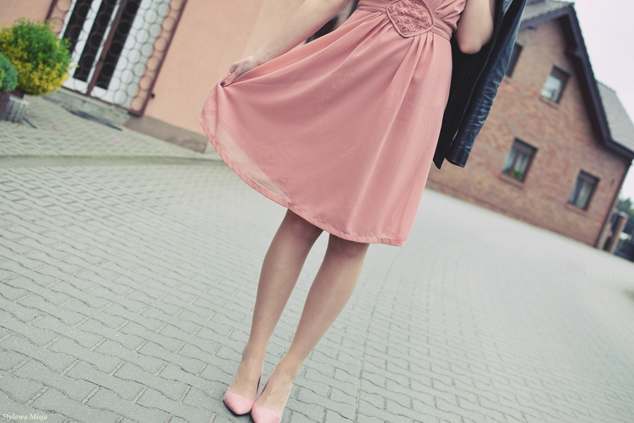 moda, stylizacja, weselna, tanio, ciucholandia, sukienka, torebka, babeczka, szpilki, brilu, róż, poradnik,