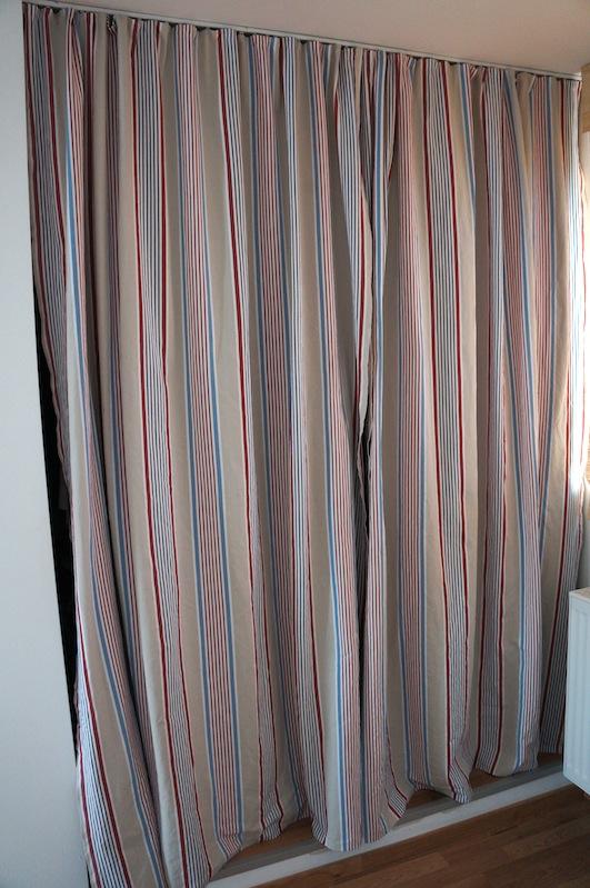 verstrickt und zugen ht rums 37 vorhang auf. Black Bedroom Furniture Sets. Home Design Ideas