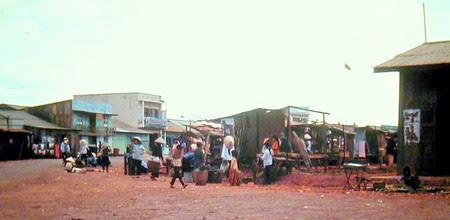 Chợ Thần Phong ở Pleiku