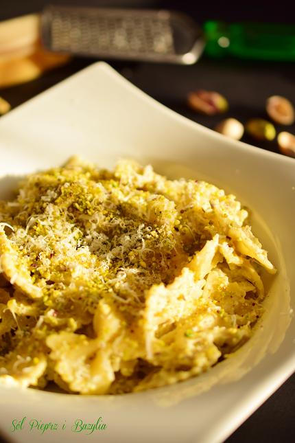 Makaron z ricottą i pistacjami
