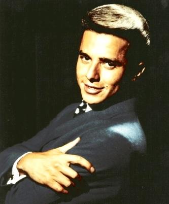 Foto de Enrique Guzmán en sus inicios