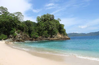 Teluk Hijau, Surga Wisata Tersembunyi di Bannyuwangi