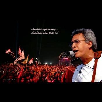 gambar Iwan Fals konser